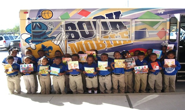 Hornets Bookmobile Visits Campus